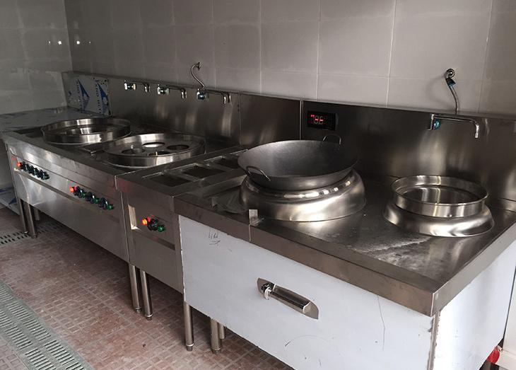 不锈钢商用厨房的优点及保养方式!